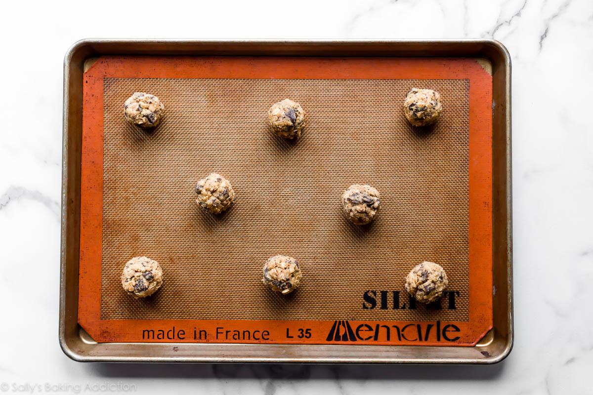 pâte de biscuits à l'avoine en morceaux de chocolat