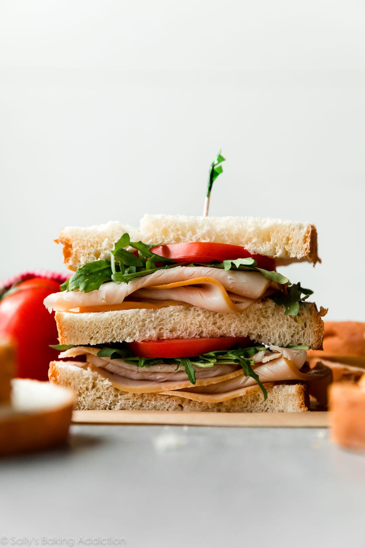 sandwich à la dinde avec du pain