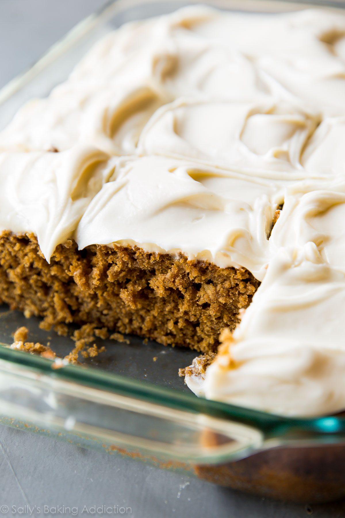 Gâteau aux épices super moelleux sur sallysbakingaddiction.com