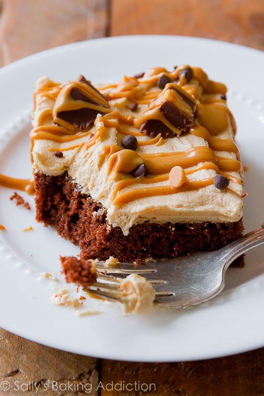 Gâteau aux feuilles de chocolat avec glaçage au beurre d ...