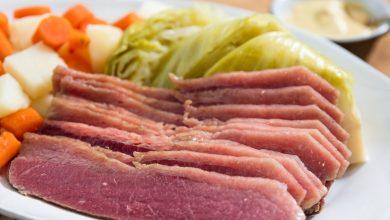 Photo of Poitrine de bœuf salé, pommes de terre, chou et carottes pour la recette de la Saint-Patrick