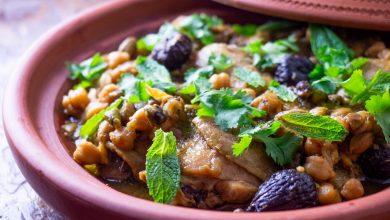 Photo of Recette de Tagine de poulet aux pistaches, figues sèches et pois chiches