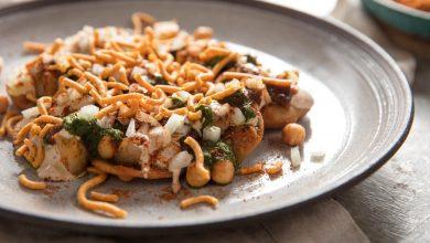 Photo of Recette de papri chaat (collation indienne avec pommes de terre, pois chiches et chutneys)
