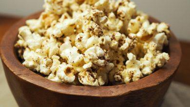 Photo of Recette de pop-corn au zaatar (épicé au thym, au sésame et au sumac)