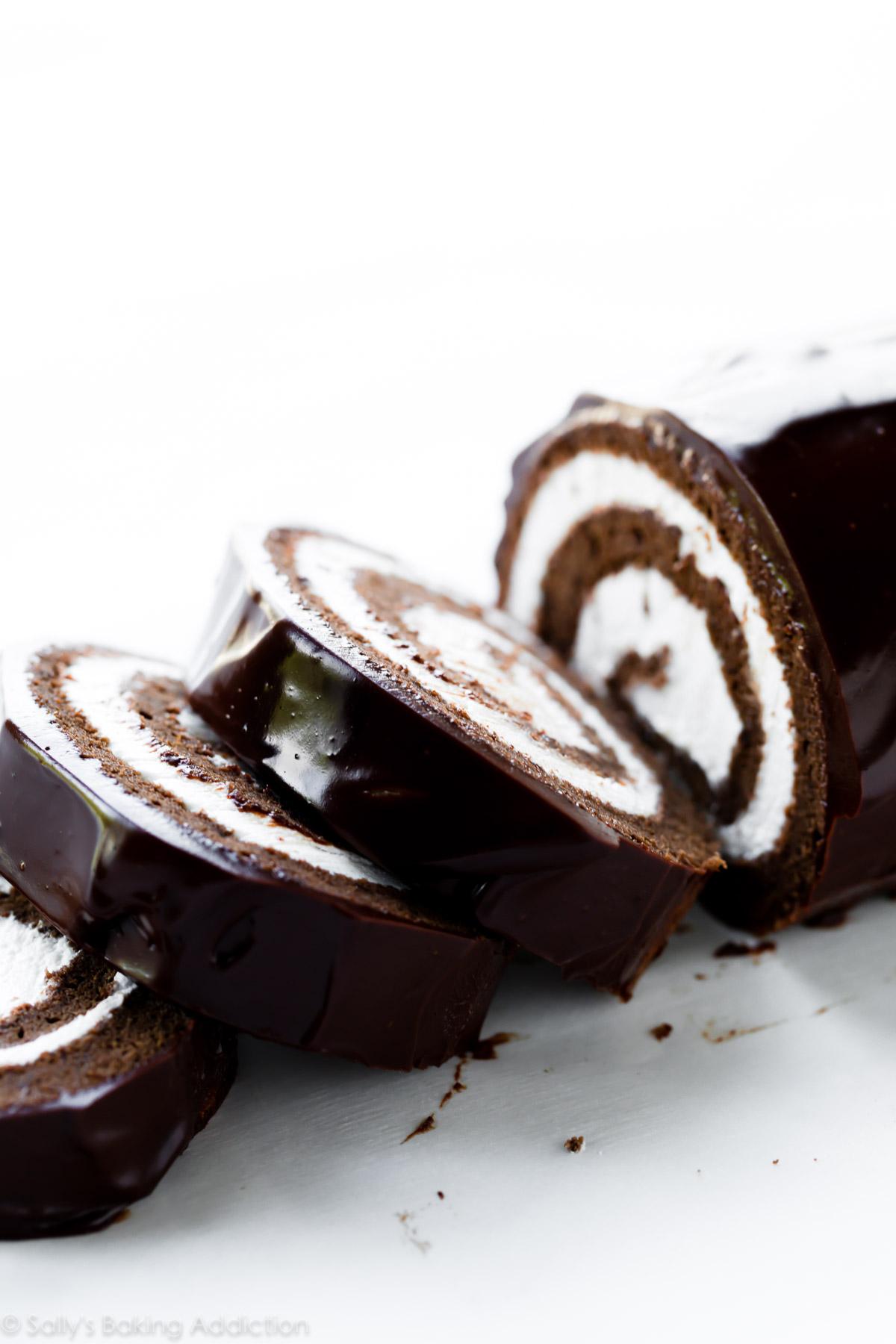 Gâteau roulé au chocolat suisse