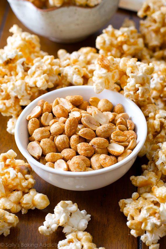 Maïs caramel au beurre d'arachide sur la dépendance de cuisson de Sally
