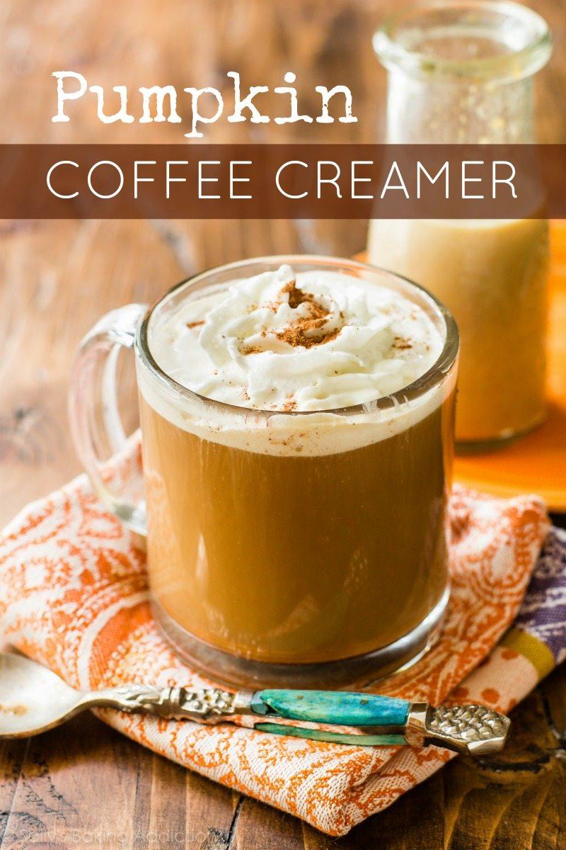 tasse de café avec crème à café citrouille maison