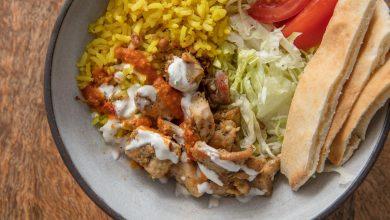 Photo of Poulet et riz halal de style chariot avec sauce blanche de Serious Eats