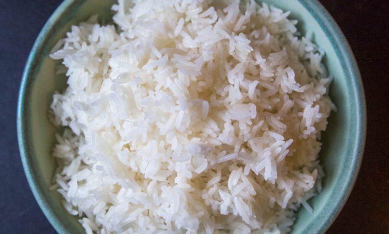 Photo of Khao Hom Mali (riz au jasmin thaïlandais sur la cuisinière)