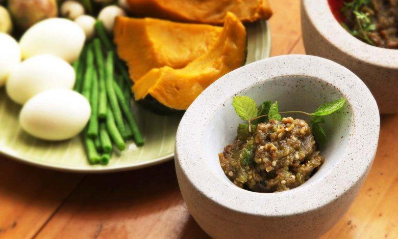 Photo of Nam Phrig Noom (trempette au chili rôti pilé du nord de la Thaïlande)