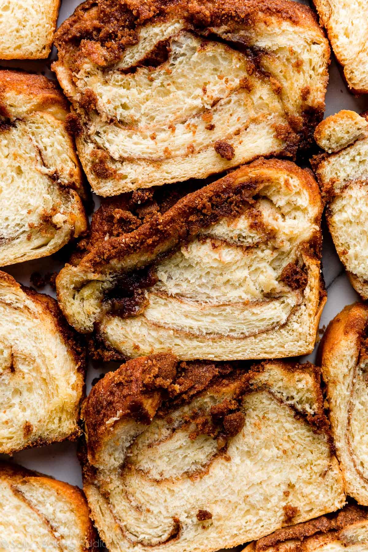 tranches de pain croustillant à la cannelle