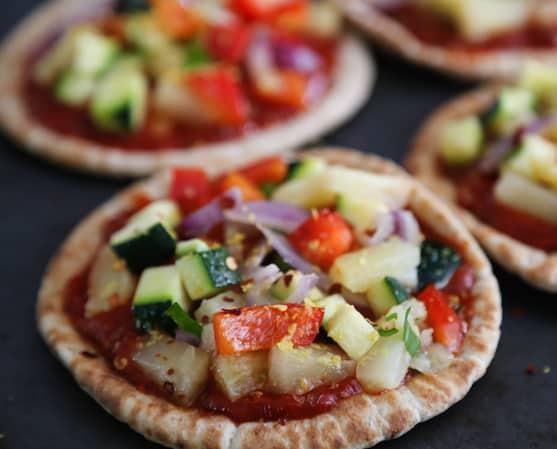 Recette de pizza pita aux ananas et aux légumes