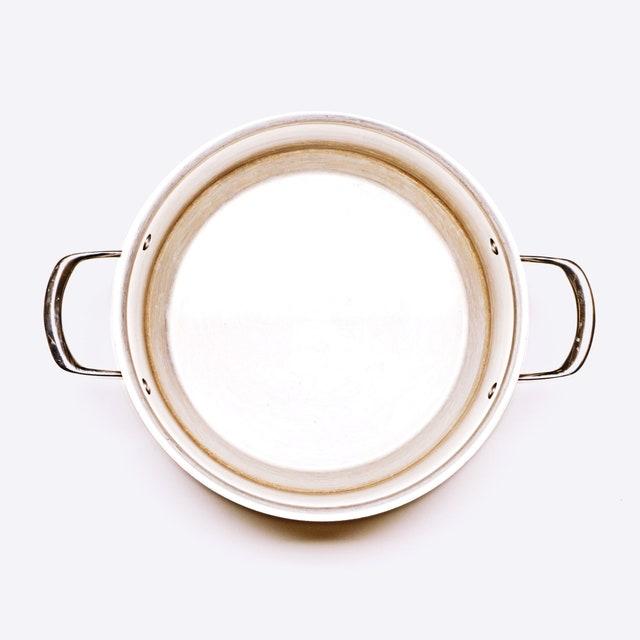 Cette image peut contenir un accessoire de bague et une fenêtre d'accessoires de bijoux