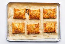Photo of Tartes à la main au fromage et aux tomates