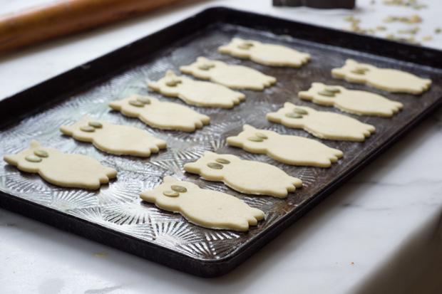 Pâte à craquelins sur plaque à pâtisserie